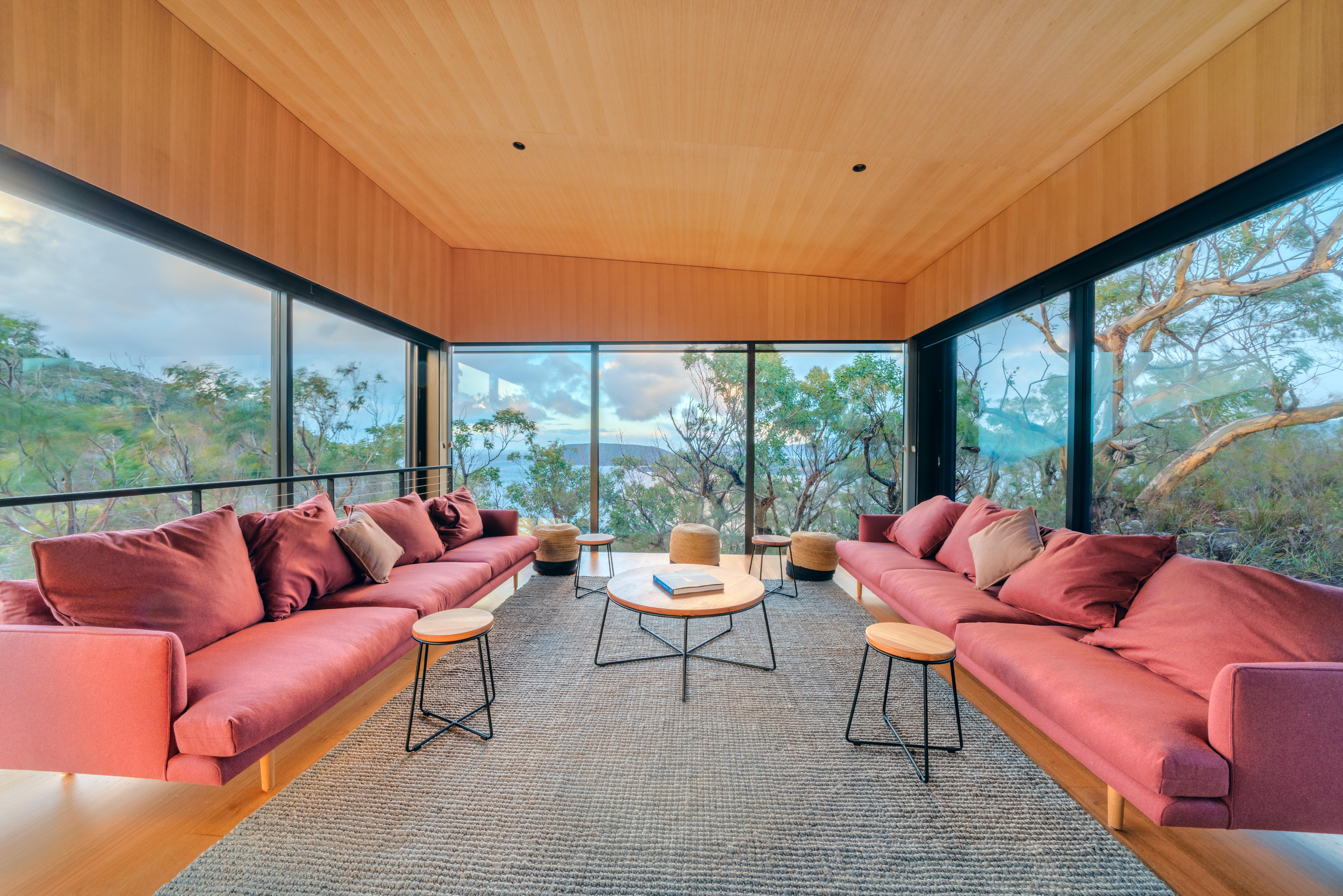Crescent Lodge Lounge
